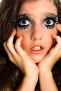 Kauhuissaan tyttö äärimmäisissä meikki Kuvituskuvat