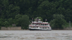 Mississippi Riverboat, Hannibal, MO Stock Footage