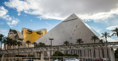4K time lapse of the amazing Egyptian themed Luxor Casino Hotel in Las Vegas Stock Footage