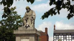 Statue of Dr Samuel Johnson in Lichfield. Stock Footage