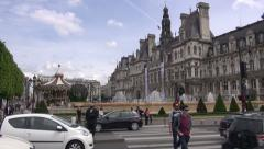 Paris street life – people, fountains and cars Stock Footage