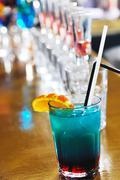 Fresh cocktail drink in night bar Kuvituskuvat