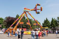 People Having Fun In Amusement Park Kuvituskuvat