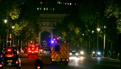 london traffic jam and ambulance car on the mall from bachingham palace towar - stock footage
