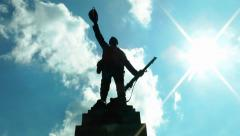 Monument to Soldiers World War 1 Memorial Statue - blue sky clouds time lapse Stock Footage