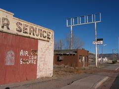Abandoned Roadside Car Shop, Southwestern USA Kuvituskuvat