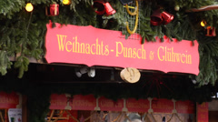 Stylish gluhwein (hot wine) stall at Vienna Rathausplatz christmas market Stock Footage