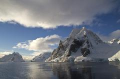 Scott mountain in the central part of the antarctic peninsula Stock Photos