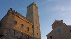 Establishing shot. Italy, Tuscany, ancient streets and towers of San Gimignano. Stock Footage
