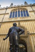 Statue at Oxford University Kuvituskuvat