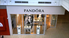 Pandora store shopping mall Stock Footage