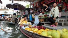 Thailand, Southeast Asia, Damnoen Saduak Floating Market near Bangkok Stock Footage