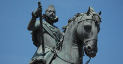 4K Close up of the statue of King Philip III at the Plaza Mayor, Madrid, Spain Stock Footage
