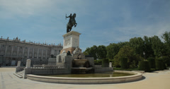 4K Monument / Fountain to Philip IV in Plaza de Oriente, Madrid, Spain Stock Footage