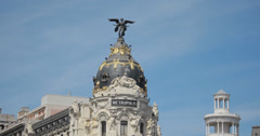 4K Close Up Of The Edificio Metropolis, Madrid, Spain Stock Footage