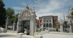 4K Retiro Park entrance with museum Del Prado in background, Madrid, Spain Stock Footage