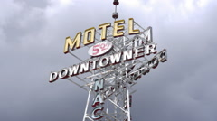 Vintage Motel Sign on Route 66 Stock Footage