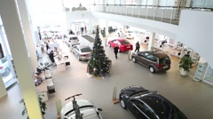 Christmas tree with illumination, moving people and new cars Stock Footage