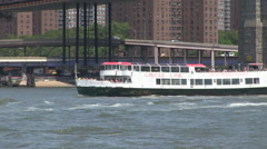 Tourist boat circle line new york Stock Footage