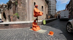 Street artist in the streets of Rome Stock Footage