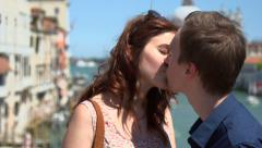 Romance in Venice - young couple kiss Stock Footage
