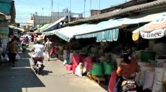Vietnam Phú Mỹ district villages 065 brisk trade on weekly market Stock Footage