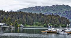 Boats and cabins on Seldovia bay, Kenai Peninsula, Alaska Stock Photos
