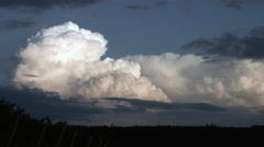 Thunder cloud forming Stock Footage