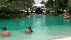 Thailand Pattaya 012 ravindra beach resort, dreamlike pool landscape Stock Footage