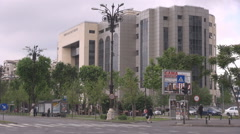 Car traffic in front of tribunal building, important landmark view, places to go Stock Footage