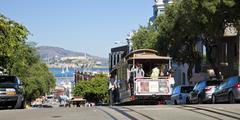 San francisco - november 3rd: the cable car tram Stock Photos