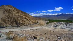 The road to the pass Kardungla Stock Footage