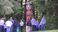 Totem Poles, Cruise ship tourist Stock Footage