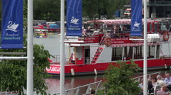 Brayford belle tour boat departs quayside, brayford pool, lincoln, england Stock Footage