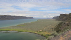 Washington Grand Coulee Banks Lake wide bank and path Stock Footage