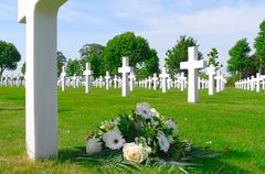 Flowers on a grave of a fallen u.s. soldier. Stock Photos