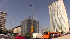 Pirellone skyscraper in Milan. Rush hour time lapse Stock Footage
