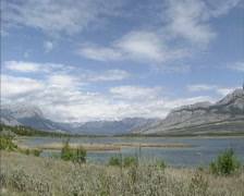 Panoramic view at Jasper Lake and surrounding mountain scenery Stock Footage