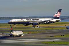 North American airplane landing Kuvituskuvat