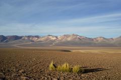 der cerro de siete colores (berg der sieben farben), hochland von uyuni, boli - stock photo