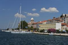 Lakeside promenade with the Cathedral of St James Adriatic coast Sibenik Stock Photos