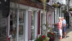 Visitors at beau's teas shop in beaumaris, anglesey, wales, uk Stock Footage