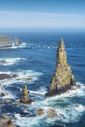 Duncansby stacks, rock pinnacles, at duncansby head, caithness, scotland, uni Stock Photos