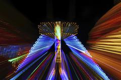 Fairground ride at night, amusement park, marksmen's festival, biberach, uppe Kuvituskuvat