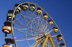 Ferris wheel at amusement park Kuvituskuvat