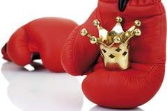 Red boxing gloves with a golden crown Kuvituskuvat