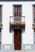 House facade, eagle above the entrance in calle vista alegre, el paso, la pal Stock Photos