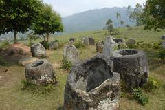 Mysterious stone jugs, plain of jars site no. 3, hai hin lat khai, xieng khua Stock Photos