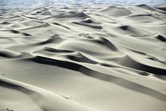 Expansive sand dunes in the gobi desert, khongoryn els, gurvan saikhan nation Stock Photos