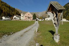 Mountain village plawenn, piavenna, vinschgau, bolzano-bozen, alto adige, ita Stock Photos